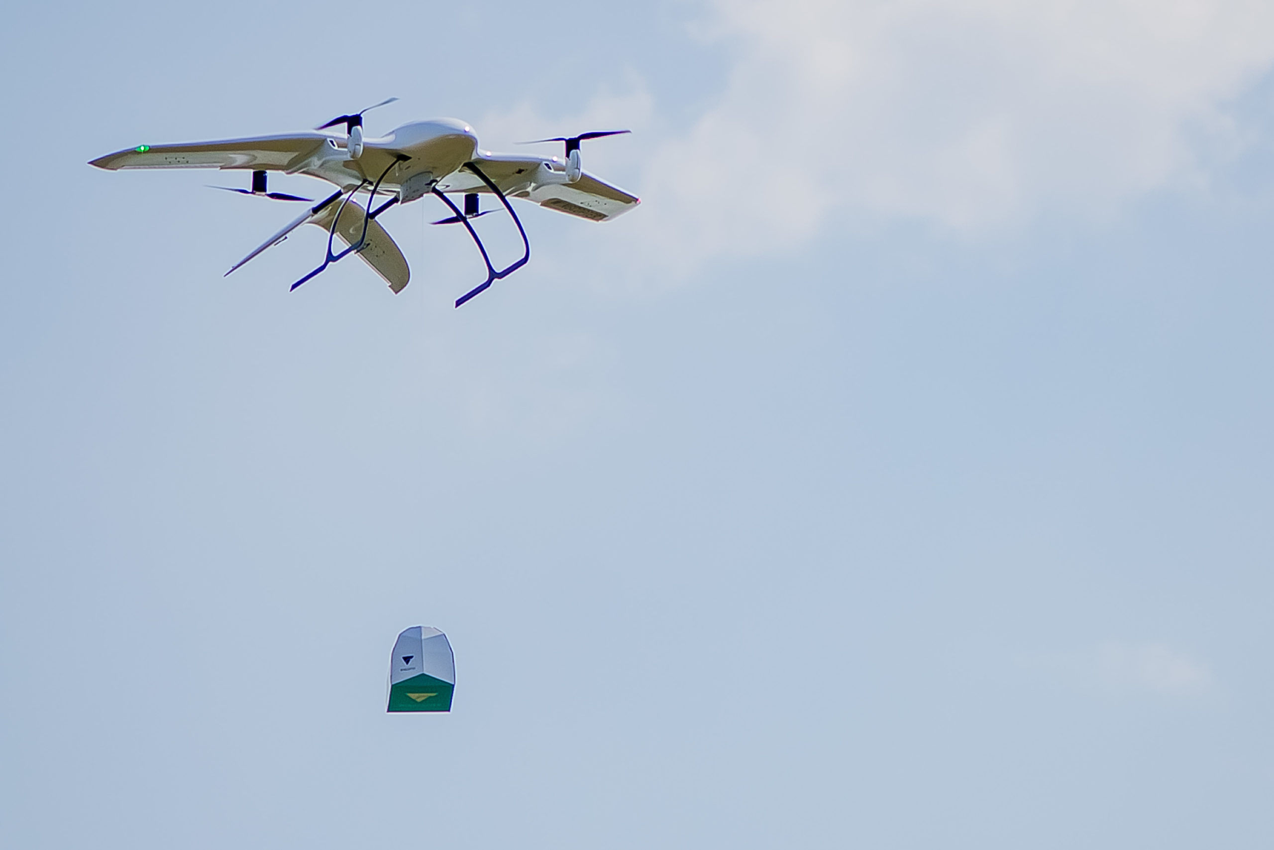 Wingcopter_winch-drop-2
